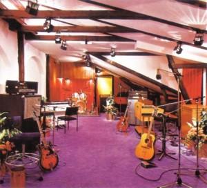 1976_studio(roc2a)